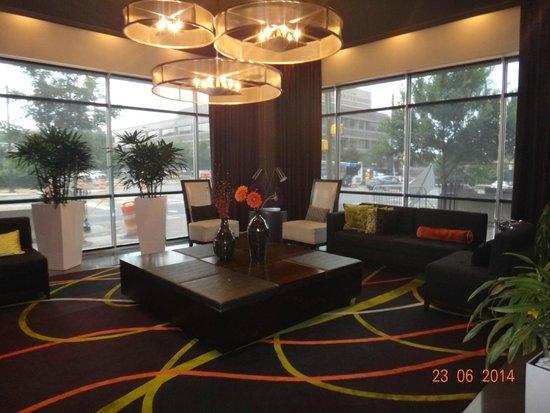 HYATT house Charlotte Center City: recepção - lobby