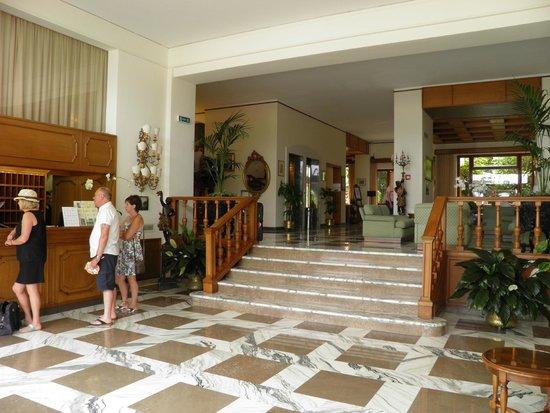 Grand Hotel De La Ville Sorrento: Reception