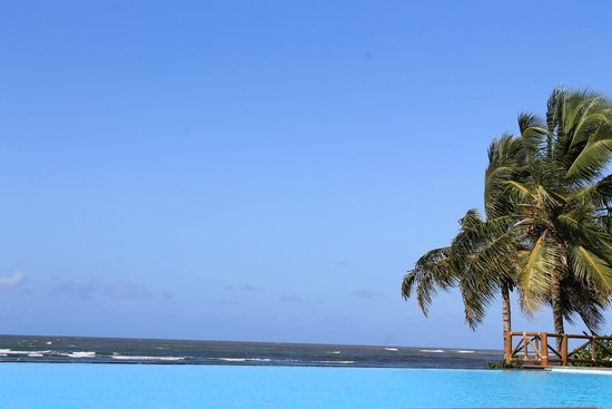 Tivoli Ecoresort Praia do Forte: Piscina infinita - mais distante das áreas comuns e por isso mais vazia