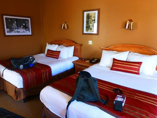 Headwaters Lodge & Cabins at Flagg Ranch: Beds