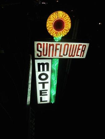 Sunflower Motel: Sunflower sign