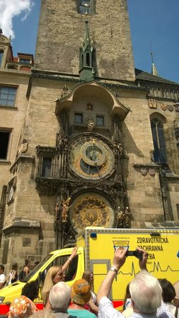 Prague Airport Transfers Day Tours : Astronomical clock, worth seeing but only just