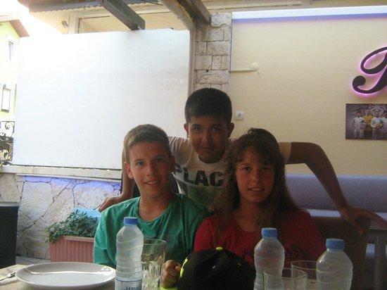 Miray Hotel: Friends
