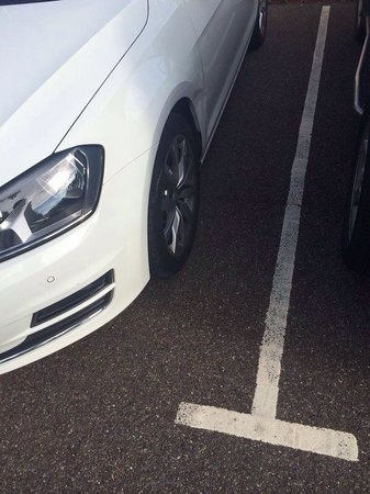 Hallmark Hotel Bournemouth West Cliff: My car was smashed up in the car park