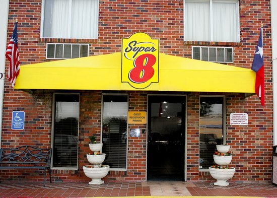 Super 8 Waco University: Entrance