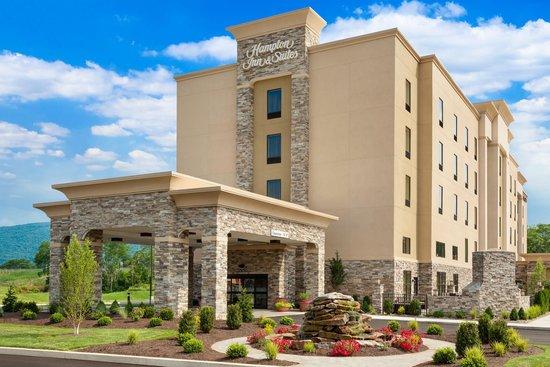 Hampton Inn & Suites Williamsport Faxon : Hampton Inn & Suites Williamsport-Faxon Exit
