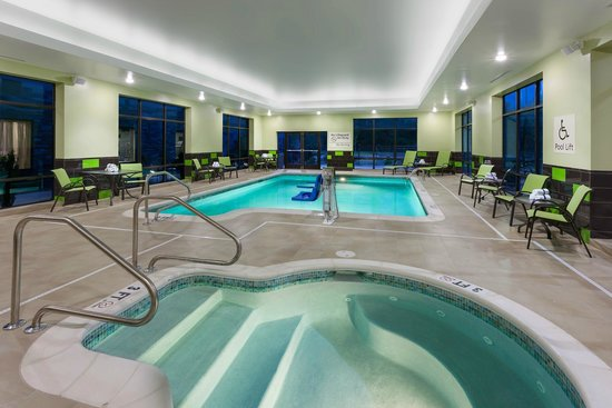 Hampton Inn & Suites Williamsport Faxon: Indoor heated swimming pool and whirlpool