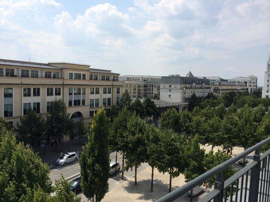 Hotel l'Elysee Val d'Europe: Vue (4ème étage)