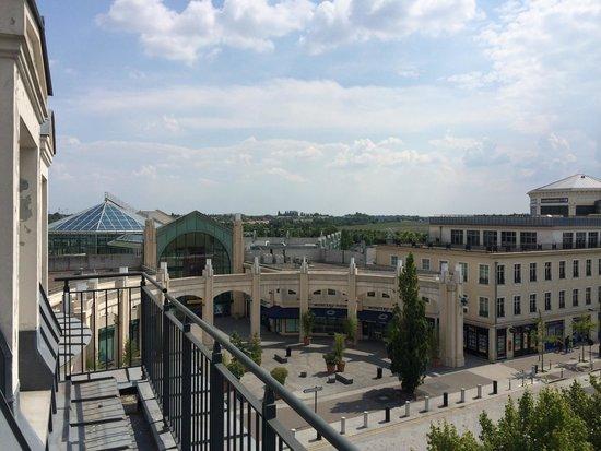 Hotel l'Elysee Val d'Europe: Vue sur galerie commerciale
