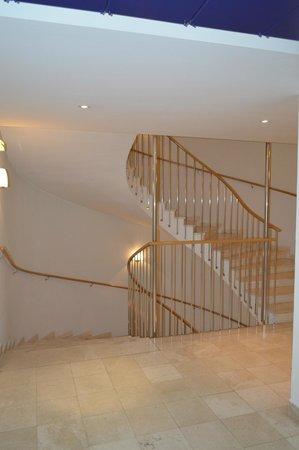 Hotel Das Triest: Stairwell