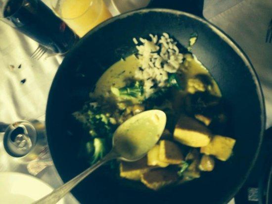 Meson Panza Verde: Curry con leche de coco, arroz pilaf, vegetales y tofu