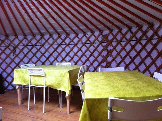 La Ferme des Anes : Yourte cuisine