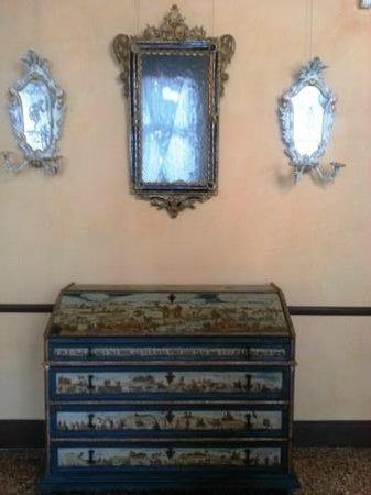 Ca' Rezzonico:Antique furniture