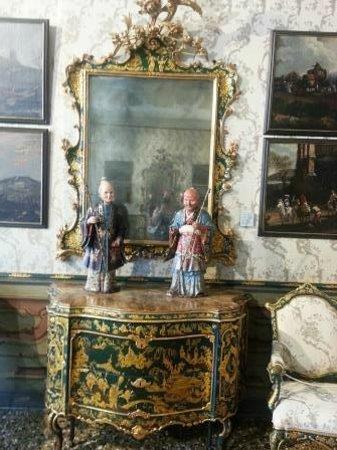 Ca' Rezzonico: The Chinese style room