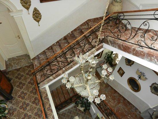 Hotel Villa Taormina: Staircase