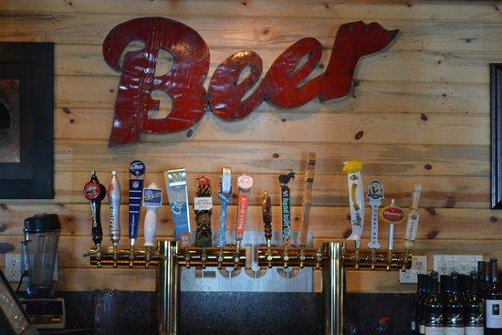 Sweet Lou's Restaurant and Bar: Bar Back