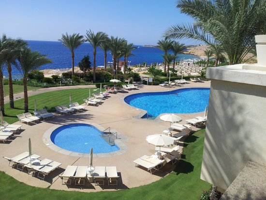 Stella Di Mare Beach Hotel & Spa : This is just one of the pools