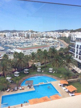 Aguas de Ibiza: Uitzicht van boven aan Vi Cool