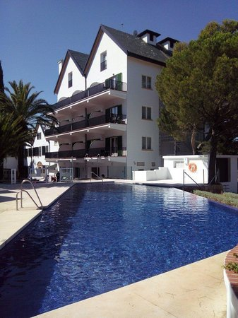 Hotel Catalonia Reina Victoria Wellness & Spa: Piscine