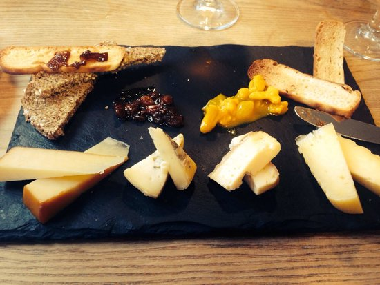 Holohans At The Barge: Cheese platter