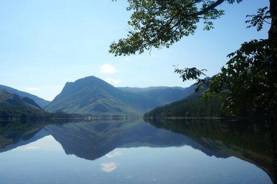 Bridge Hotel: Buttermere - a view just a few minutes walk from the hotel