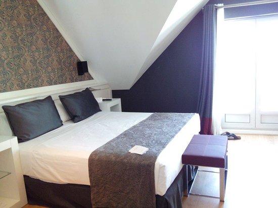 Hotel Catalonia Reina Victoria Wellness & Spa: Chambre double avec terrasse