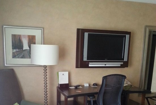 DoubleTree Hotel Boston/Bedford Glen: Desk for your work