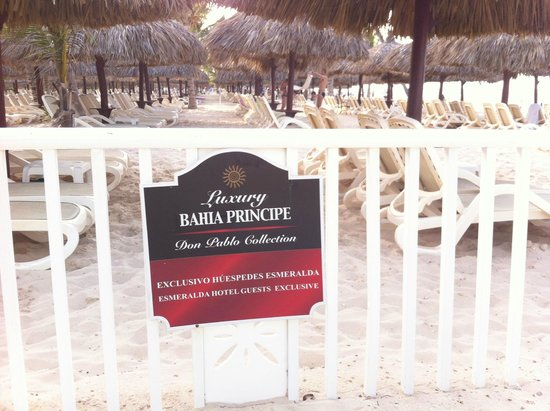 Luxury Bahia Principe Esmeralda Don Pablo Collection : tumbonas area exclusiva