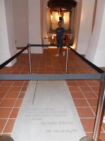 Cristo del Otero : tumba Victor Macho