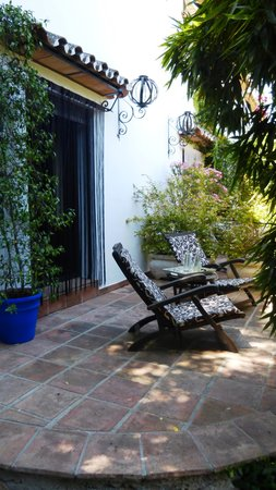 Hotel  Alavera de los Baños: Private seating on the terrace