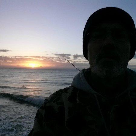 Surf City Pier: Fishing at sunrise
