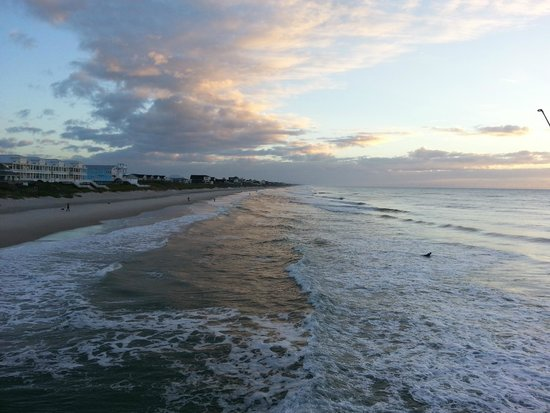 Surf City Pier : Beach, early morning