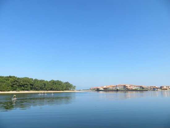 La Pizzaiolette: Le lac marin à quelques pas