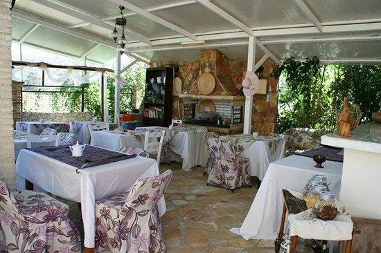 Villa Olga Hotel Apartments & Studios: PETIT DEJUNER