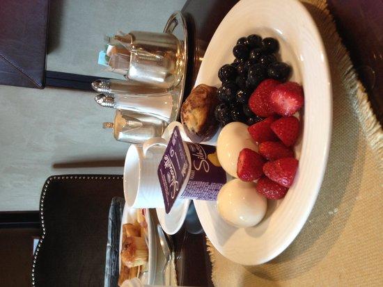Fairmont The Queen Elizabeth : Healthy breakfast options