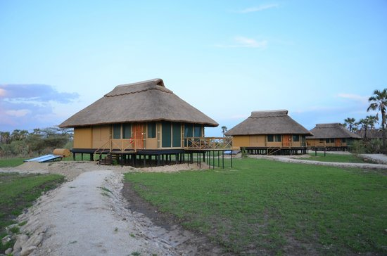 Maramboi Tented Camp: Cabin/tents from the outside