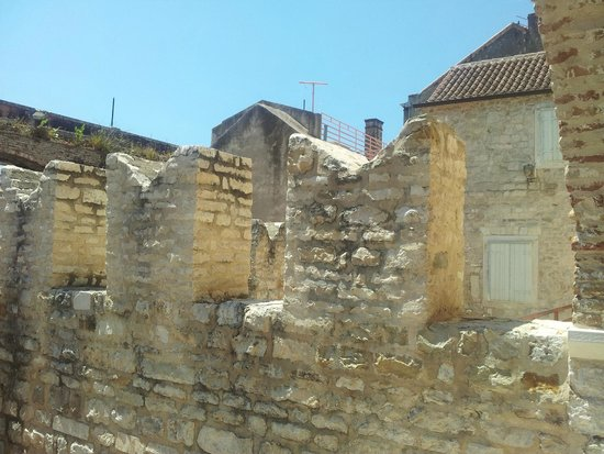 Old Split: Mura merlate