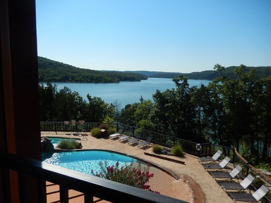 Stonewater Cove Resort and Spa : the view from the dining area