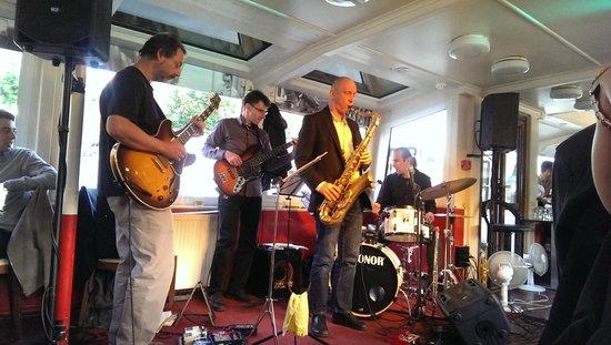 Jazz Boat: jazz
