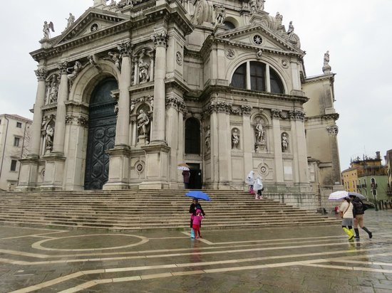 Basilica di Santa Maria della Salute: Vista Externa