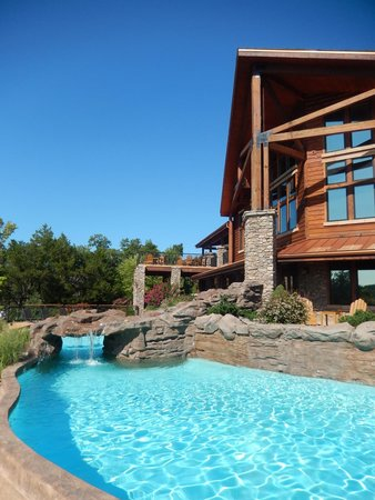 Stonewater Cove Resort and Spa : what a pool!