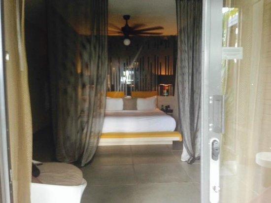 W Retreat & Spa - Vieques Island: pool side suite