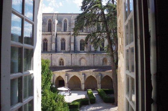 Hotel le Couvent Royal de Saint Maximin: Vue de la chambre ... magique !