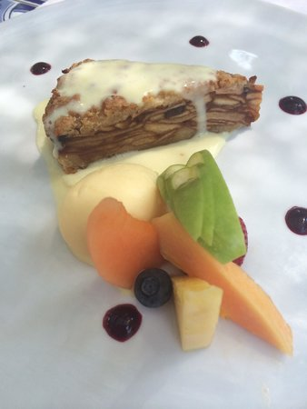 Le Marquis Restaurant: Apple and Black Pepper Pie