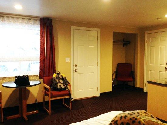 Glenwood Springs Inn: Room