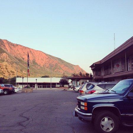 Glenwood Springs Inn: Front of motel