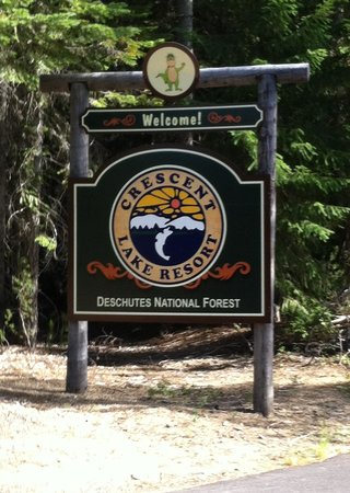 Hoodoo's Crescent Lake Resort: Welcome Sign