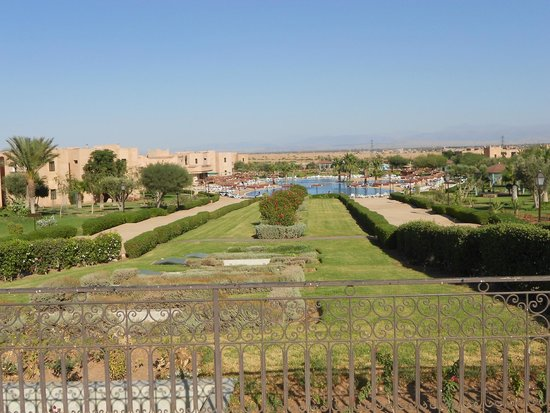 Marrakech Ryads Parc & Spa : View of hotel grounds