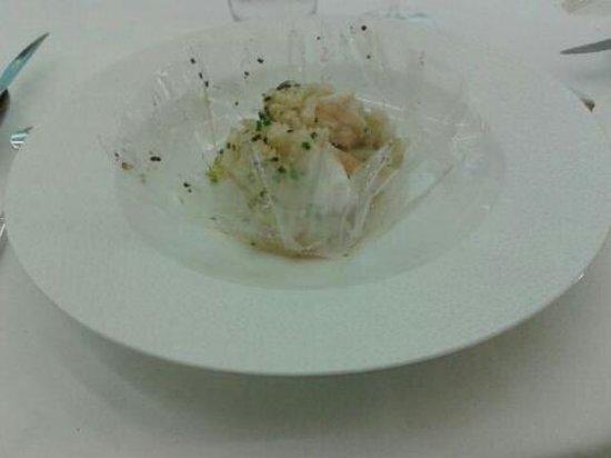 Le Millénaire : Papillotte de lotte trop cuite et émincé de fenouil...peu savoureux et à l'ouverture de la papil