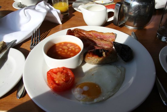 Macdonald Elmers Court Hotel & Resort: Full English breakfast